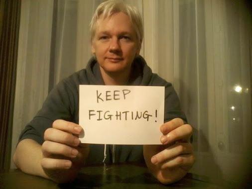 assange_keep_fighting