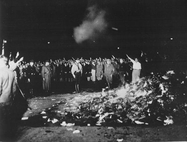1933 - 2018 Bücherverbrennung und YouTubezensur !!!
